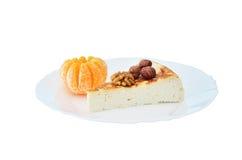 Чизкейк коттеджа с мандарином и гайками Стоковые Изображения