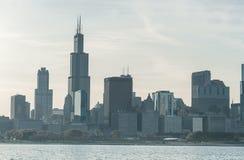 ЧИКАГО, ИЛЛИНОЙС - 17-ОЕ АПРЕЛЯ 2016: Финансовый район Чикаго, городской, небоскреб озеро Мичиган Стоковые Изображения