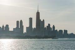 ЧИКАГО, ИЛЛИНОЙС - 17-ОЕ АПРЕЛЯ 2016: Финансовый район Чикаго, городской, небоскреб Стоковые Фото