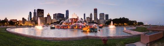 Чикаго, IL/USA - около июль 2015: Фонтан Buckingham на парке Grant в Чикаго, Иллинойсе Стоковое Изображение RF