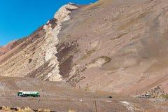 Чилиец Анды в красивой фотографии ландшафта стоковые изображения