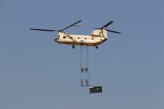 Чинук вертолета CH-47 на airshow в Каире Стоковое Изображение