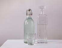 Чистая и пакостная выпивая вод-концепция Стоковые Изображения RF