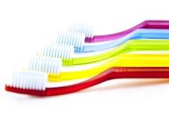чистит зуб щеткой Стоковое Фото