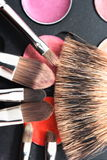 чистит косметику щеткой Стоковое фото RF