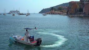 Чистка воды в Villefranche-sur-Mer сток-видео