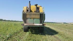 Чистка горохов, зернокомбайн жать горохи PLOEGER EPD 530 акции видеоматериалы