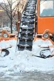 Чистка дорог от автомобиля экстренныйого выпуска снега Стоковые Фото