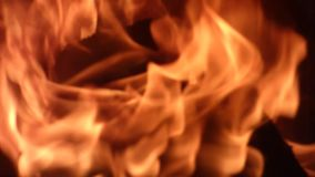 Чистое яркое пламя - естественная предпосылка видеоматериал