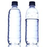 Чисто вода в бутылке Стоковое Изображение