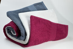3 чистых полотенца хлопка изолированного на белизне Стоковые Фотографии RF
