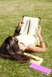 читать детей книги Стоковая Фотография RF