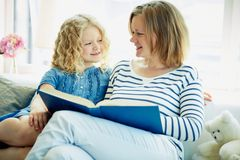 Читать совместно Стоковое Изображение
