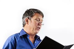Читая и говоря человек стоковые изображения rf