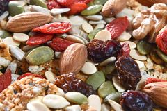 Чокнутые и высушенные плодоовощи на ореховой бахлаве стоковое фото