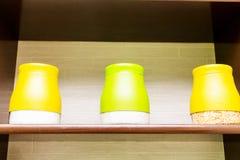 Чонсервные банкы кухни стоковая фотография