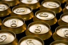 чонсервные банкы пива стоковое изображение rf