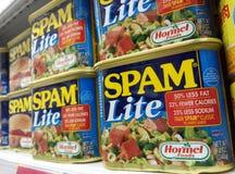 Чонсервные банкы Lite спама бренда Hormel стоковое фото