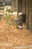 чтение весточки человека Стоковое Изображение RF