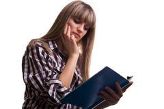 чтение девушки стоковое фото rf