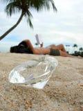 чтение диаманта пляжа Стоковые Фото