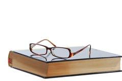 чтение книги классицистическое Стоковые Изображения