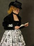 чтение письма повелительницы Стоковые Изображения