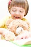 Чтение ребенка Стоковое Фото