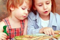 чтение стоковое фото rf