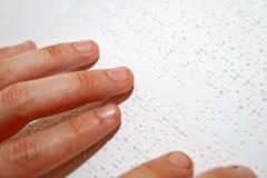 чтение braille Стоковое Изображение RF