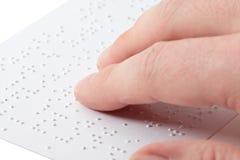 чтение braille Стоковая Фотография