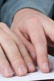 чтение braille Стоковые Фото