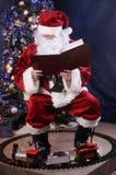 чтение santa Стоковое Фото