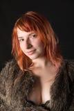 Чувственная девушка с красными волосами Стоковое Изображение RF