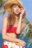Чувственная милая женщина в обмундировании пляжа лета Стоковые Изображения RF