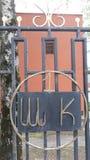Чугунная загородка школы решетка одно стоковое изображение rf