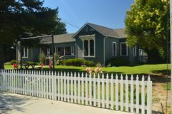 Чудесные дома в стиле Диких Западов в Лос-Аламосе Архитектура праздников перемещения стоковая фотография rf