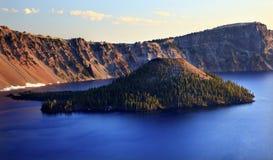 чудодей Орегона озера острова кратера Стоковые Изображения RF