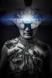 Чужеземец, человек прикованный с маской фантазии Стоковое Изображение RF