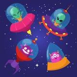 Чужеземцы шаржа смешные с ufo в комплекте вектора неба утки звёздном иллюстрация штока