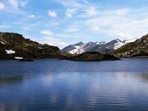 Чудесное озеро Сан Бернардино в Швейцарии Стоковая Фотография