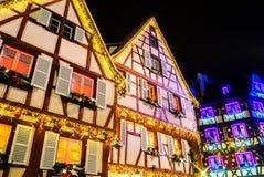 Чудесное рождество выделяя в Кольмаре, Эльзасе, Франции Stre Стоковые Фото