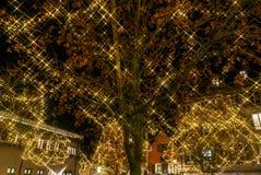 Чудесное рождество выделяя в Кольмаре, Эльзасе, Франции Stre Стоковое Фото