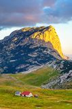 Чудесный взгляд к горам в национальном парке Durmitor Черногория Балканы Европа Прикарпатский, Украина, Европа Jn ландшафта осени Стоковое Фото