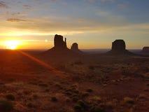 Чудесный восход солнца долины памятника Стоковые Фотографии RF