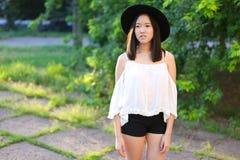 Чудесный женский азиат шляпы Стоковое Изображение RF