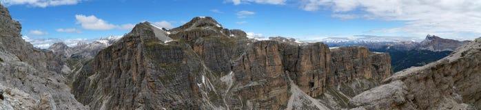 Чудесный панорамный взгляд изрезанных гор доломита в южном Тироле Стоковое Изображение RF