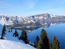 чудодей Орегона озера острова кратера Стоковое Изображение RF