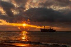 Чёрное море и восход солнца стоковые изображения rf