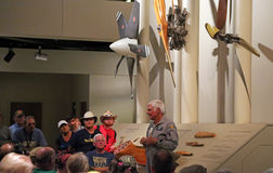 Член Rutan говорит с участниками EAA AirVenture Стоковое Изображение RF